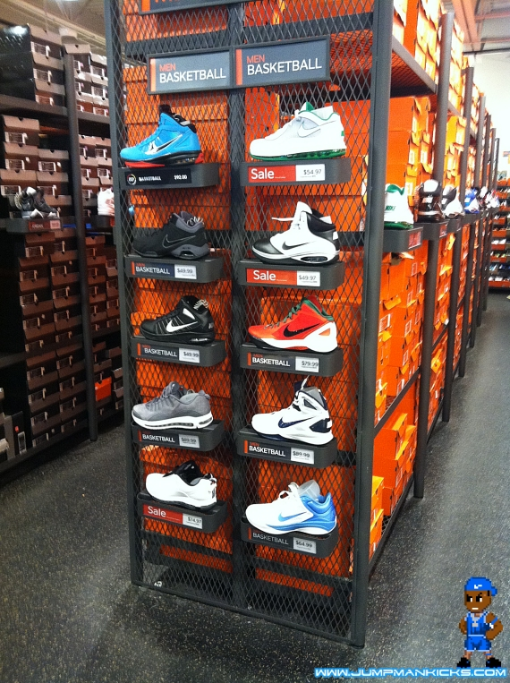 nearby nike outlet store