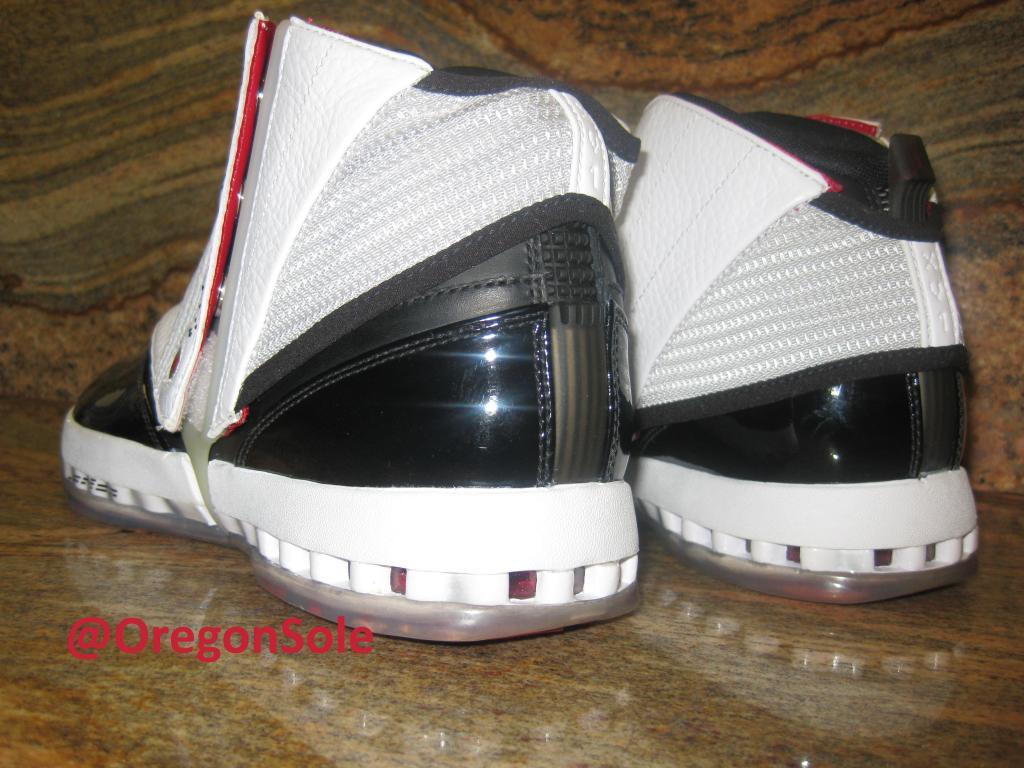 e70014b32a12 Men s Nike Air Jordan 16 XVI Retro 683075-106 White Midnight Navy Sz 9.5 DS