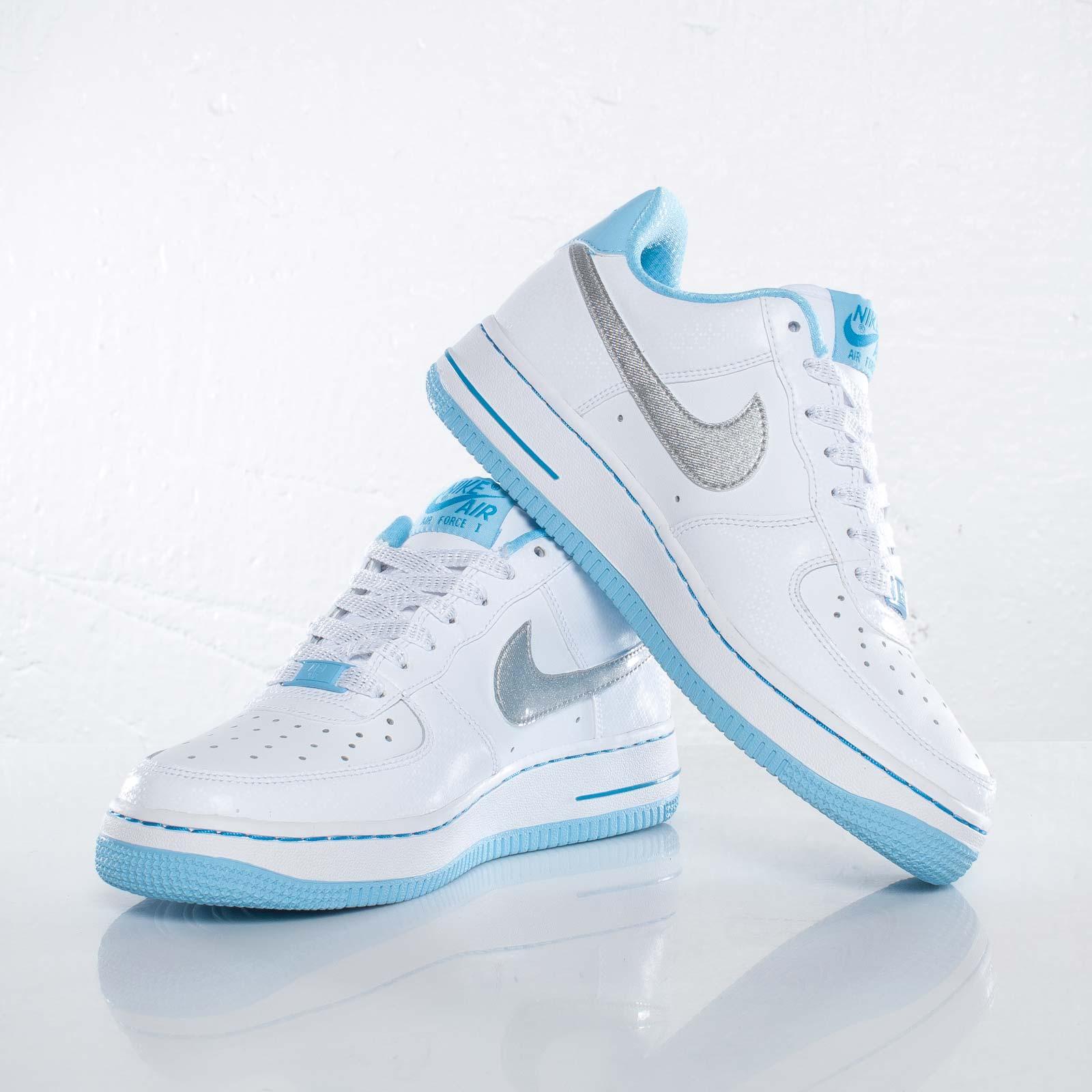 Nike Air Force Baby Blue estrelinha