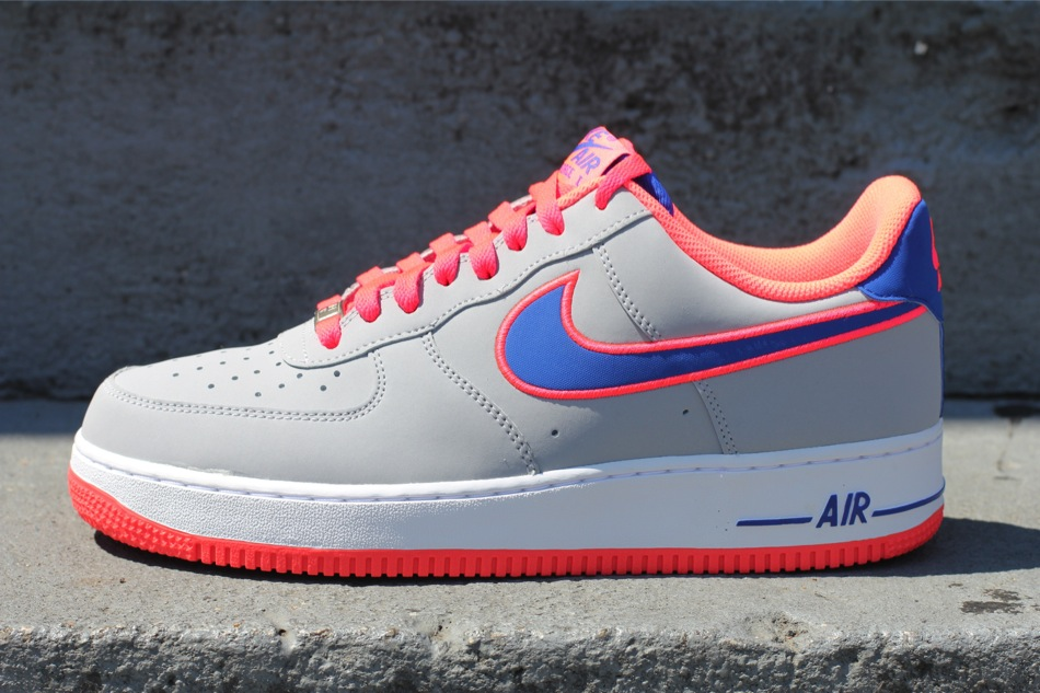 Nike Air Force 1 Low Wolf GreyGame Royal Hot Punch