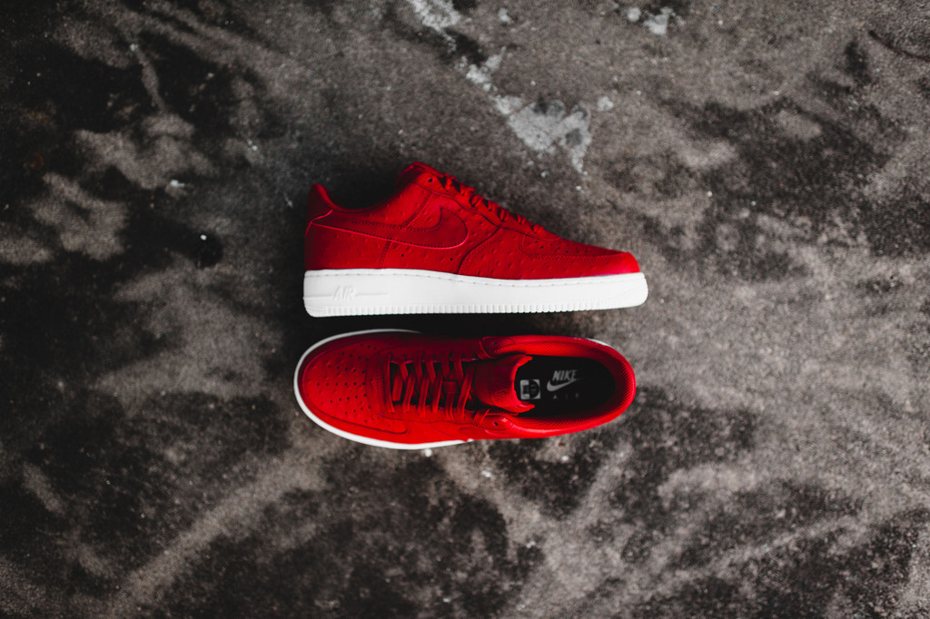 the best attitude f5b4f cadf4 nike air force 1 07 lv8 gym red