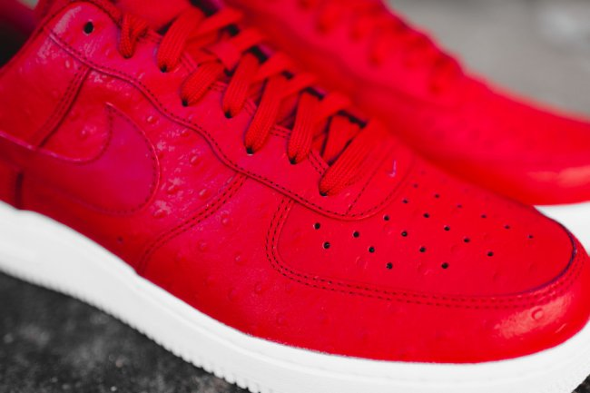 nike air force 1 07 lv8 gym red