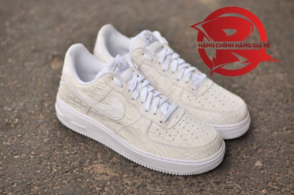 low priced 59be0 c6753 2016 Nike Air Force 1 Low 07 LV8 SZ 9 Triple Black Croc Skin Print  718152-007