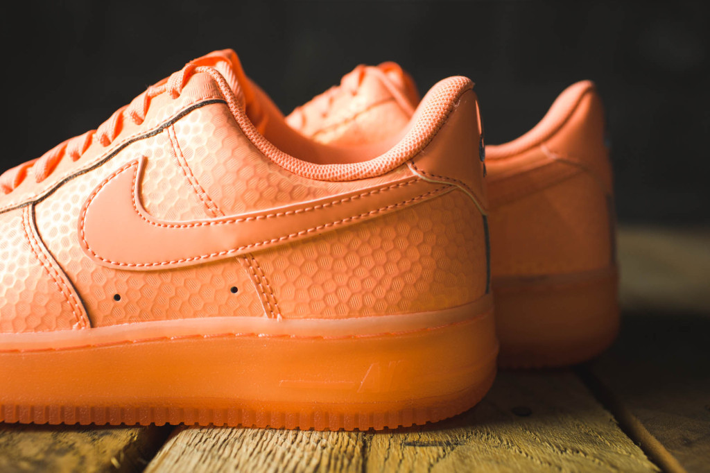 Air Force One Low Sunset Glow