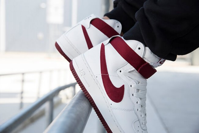 nike air force 1 high retro qs team red