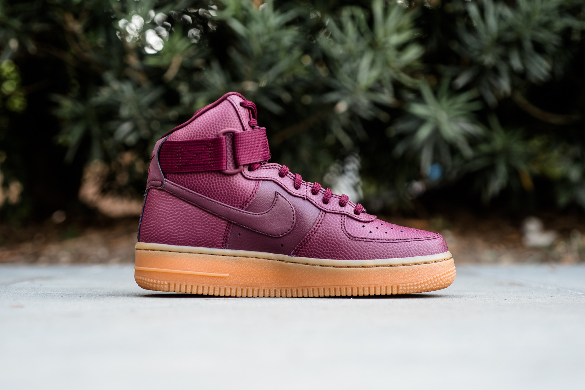 newest aee68 9e104 Nike Air Force 1 Mid 07 LV8 Maroon Mens Size 10.5