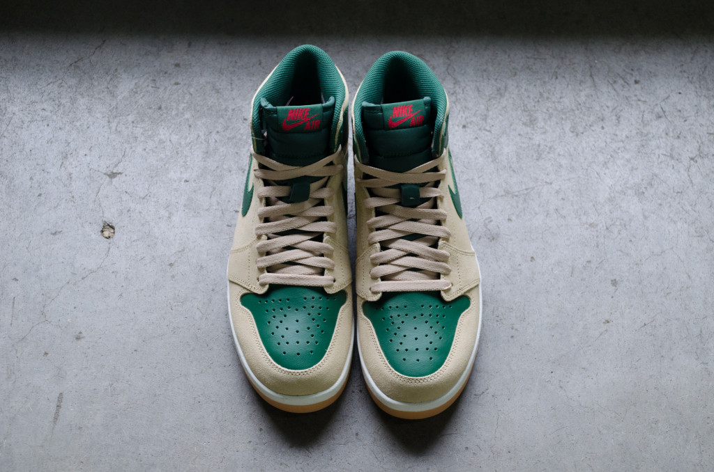 Air Jordan 1 High The Return Color: Sand Dune/University Red-Gorge Green-White  Style: 768861-206. Price: $150.00