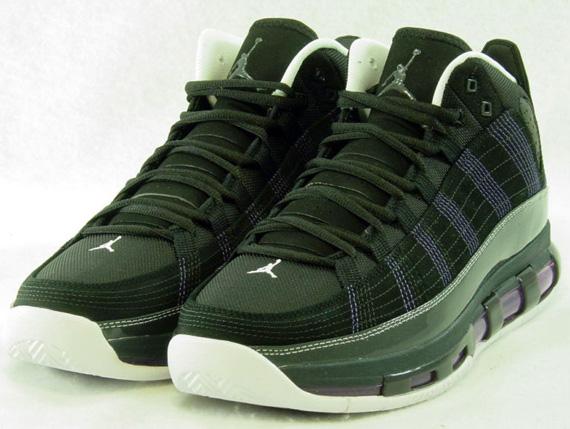 reputable site 10e91 b7dd0 Nike Air Jordan 8 VIII Retro Take Flight Sequoia Black Undefeated 305381 305