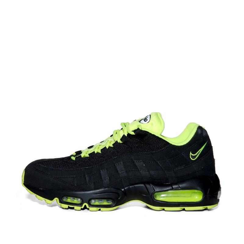 half off c4547 d78fd Nike Air Max 95 Black/Volt