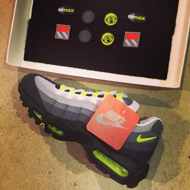 "Nike Air Max 95 ""Patch  Color  Cool Grey White-Neon Yellow Style  747137-170.  Release  03 26 2015 29e9b21e9"