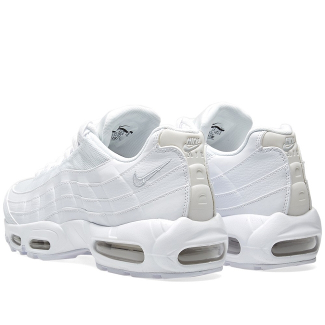 nike womens air max 95 triple white
