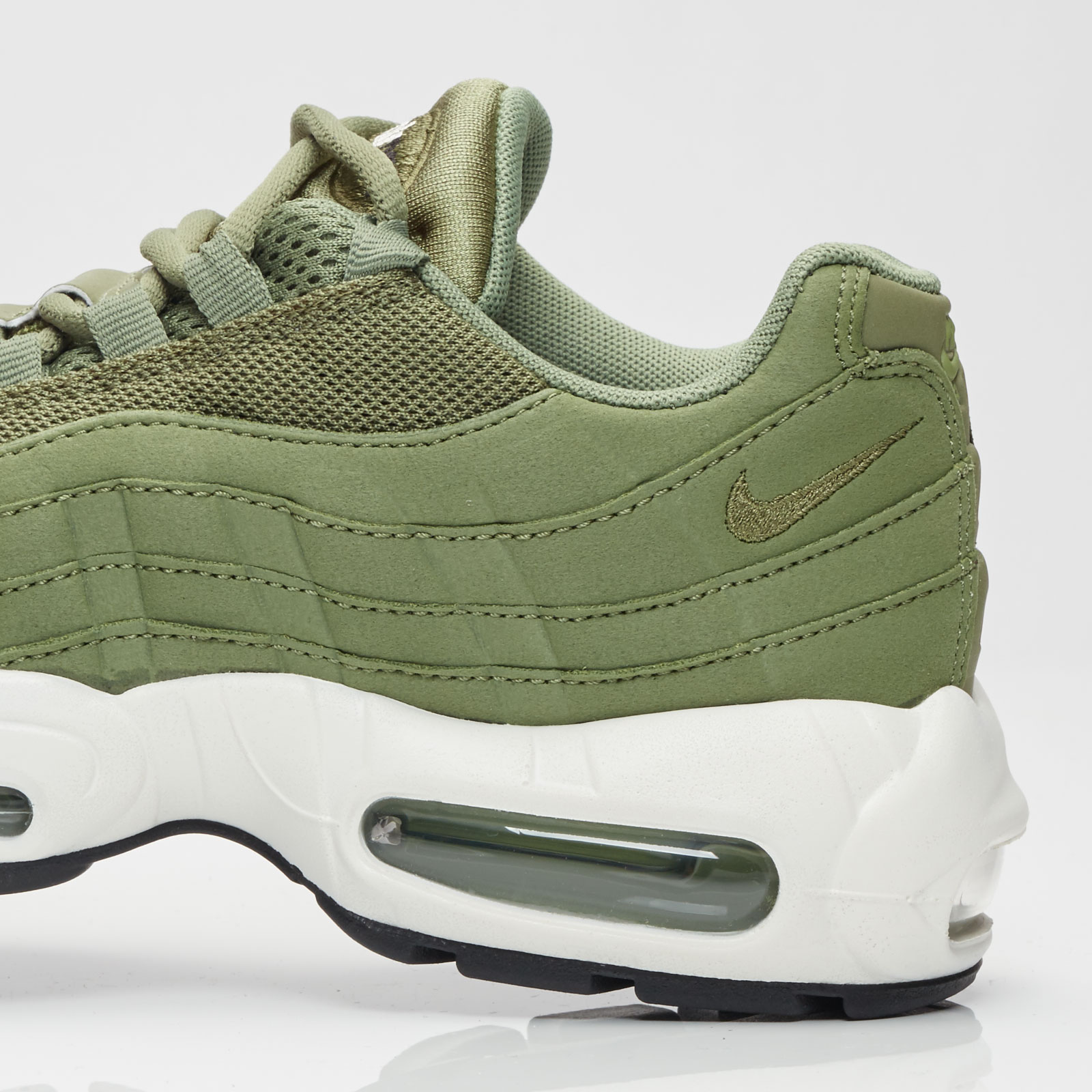 fe1413c210 Nike Womens Air Max 95 Palm Green - Air 23 - Air Jordan Release Dates,  Foamposite, Air Max, and More