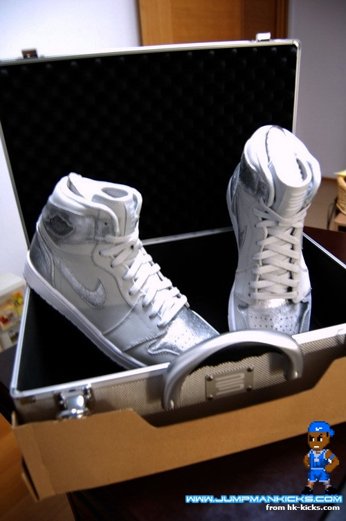 the best attitude f75a7 6610a Nike Air Jordan 1 Retro High Metallic Silver 25th Anniversary 396009-001 Sz  12