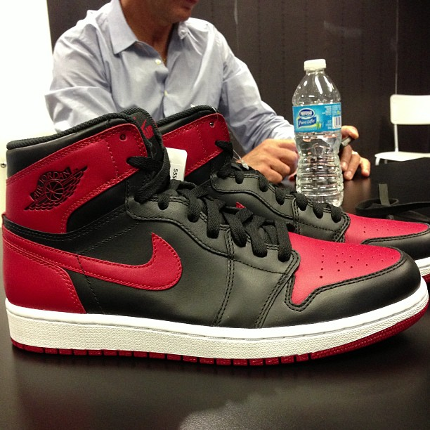 competitive price b32df 0a4a3 Air Jordan 1 Retro High OG Black Red 2013