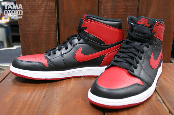 7a47997080aa69 Air Jordan 1 (I) Retro Hi OG Color  Black Varsity Red-White Style   555088-023. Release Date  12 28 2013. Price   140.00