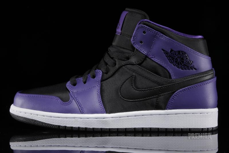 differently 1c4d4 bac04 A white and black sole provides the cushioning. You can get these now at  Premier. Air Jordan 1 (I) Mid Color  Black Dark Concord-Black Style  554724- 019