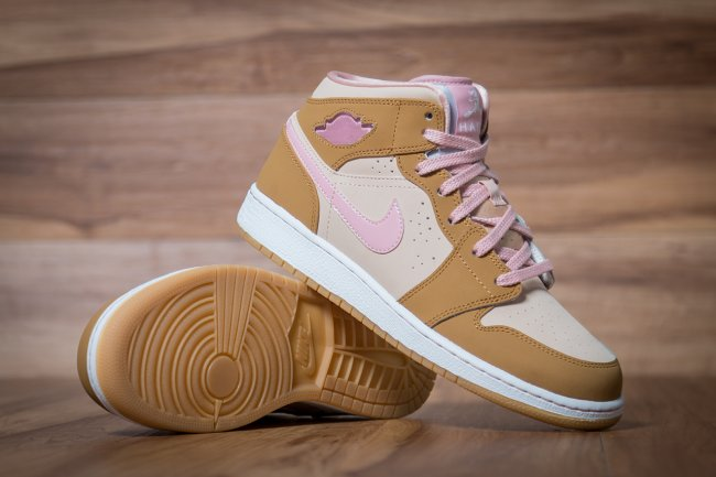 b7d71b17e35d11 Air Jordan 1 Mid Color  Wheat Pink Glaze-Shimmer Style  724073-750.  Release  04 04 2015. Price   90.00