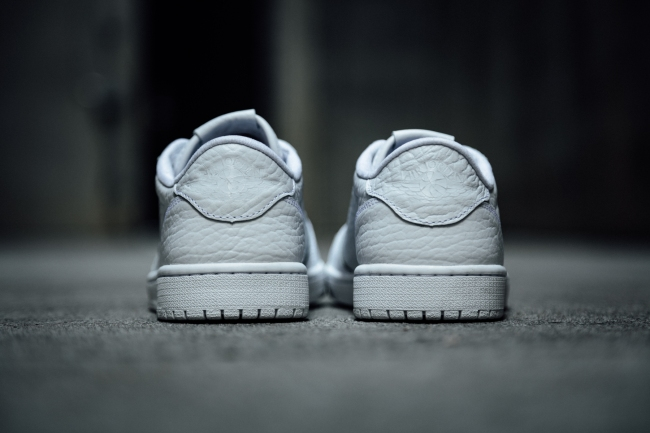 air jordan 1 low no swoosh triple white