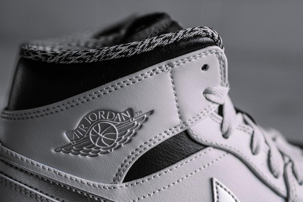ce63e7afc2fc Air Jordan 1 Mid Pure Platinum - Air 23 - Air Jordan Release Dates ...