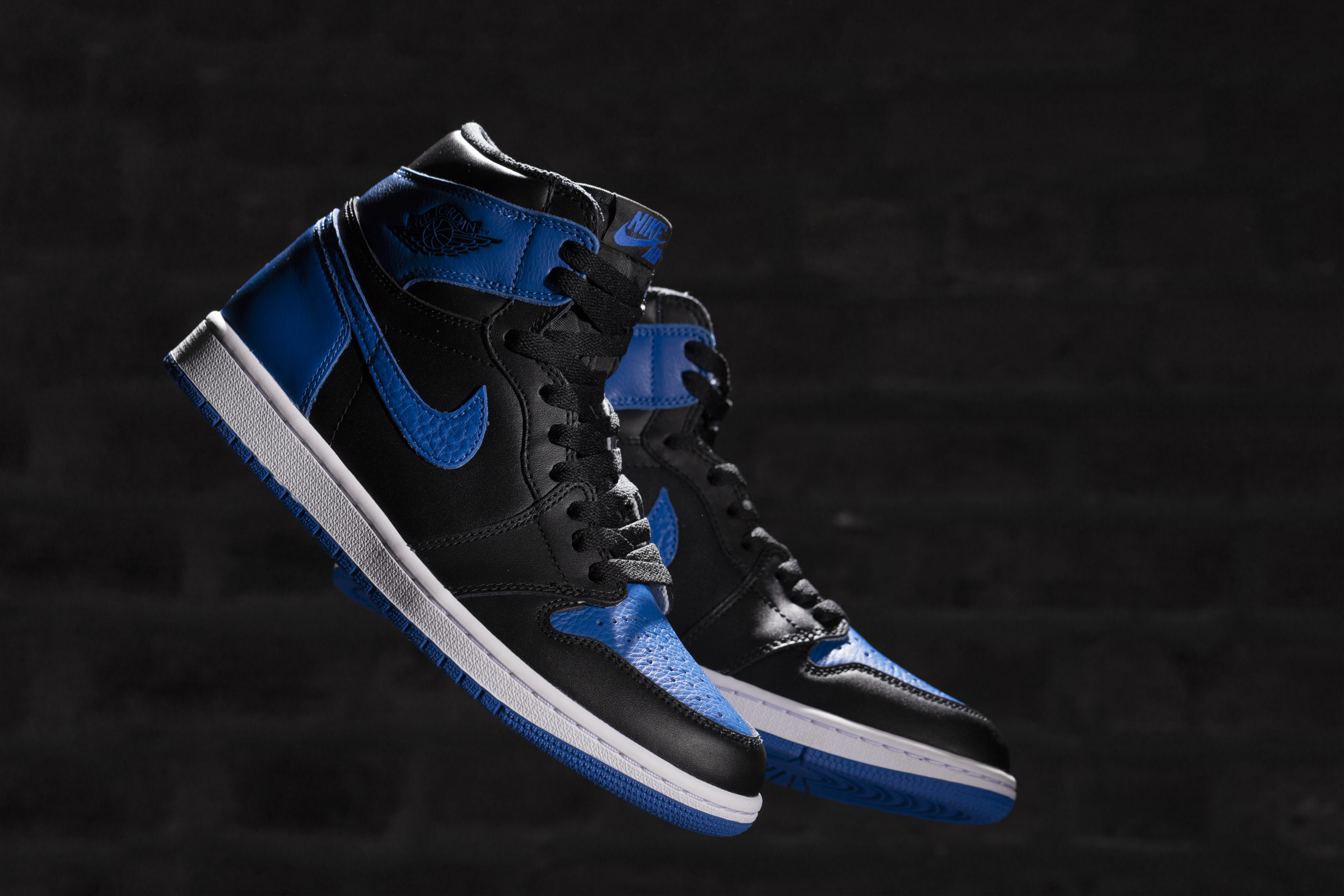 6e9d5346e66b0d Air Jordan 1 Retro High OG Royal 2017 - Air 23 - Air Jordan Release ...