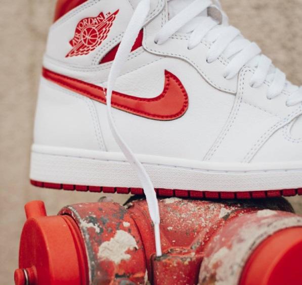 air jordan 1 metallic red