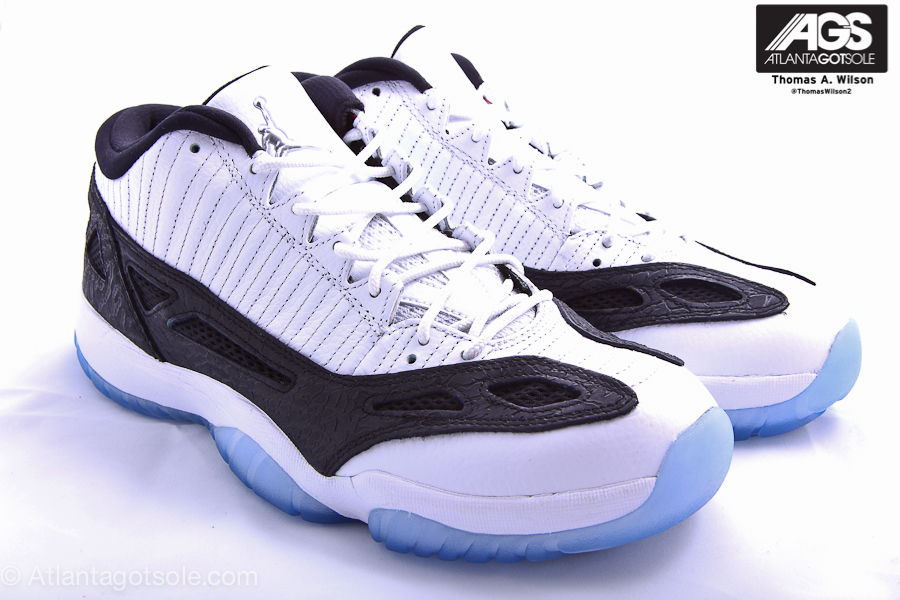 http://www.jumpmankicks.com/shoegallery/aj11/retro_low_ie(2011)/white_black_metallic_silver/air_jordan_xi(11)_low_ie_retro_white_black_metallic_silver-1.jpg