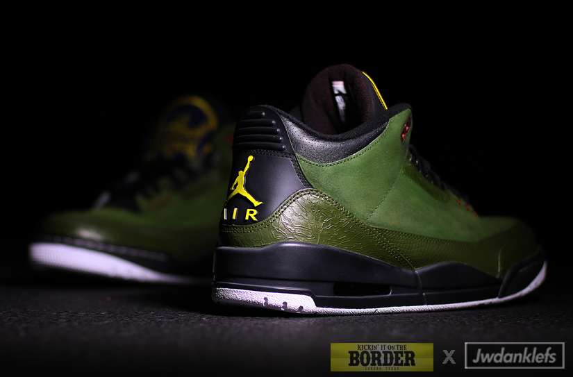 The blue and yellow Border Patrol logo graces the tongue to complete the  theme. 2011 Air Jordan Retro 3 ... 5b2697d48