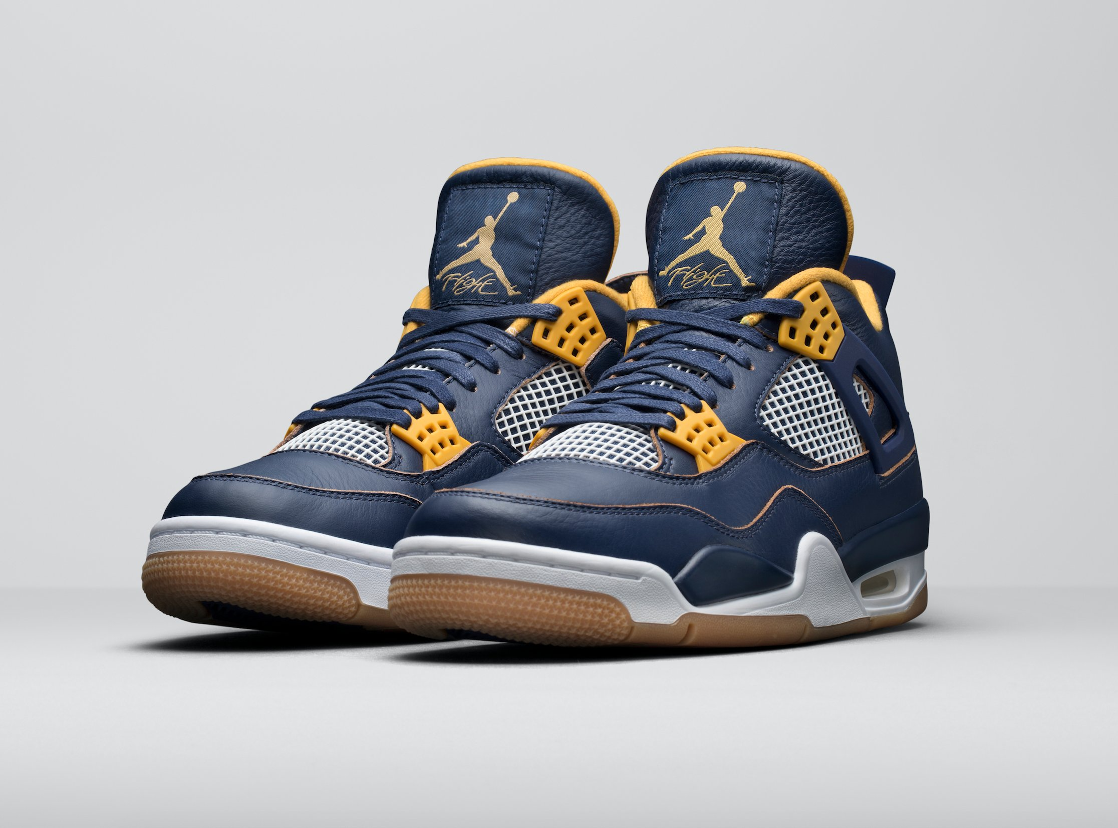 "64b683055b3 The Air Jordan 4 Retro ""Dunk from Above"" won't hit stores until March 19,  2016. A tentative retail price of $190 has been set for the sneaker."