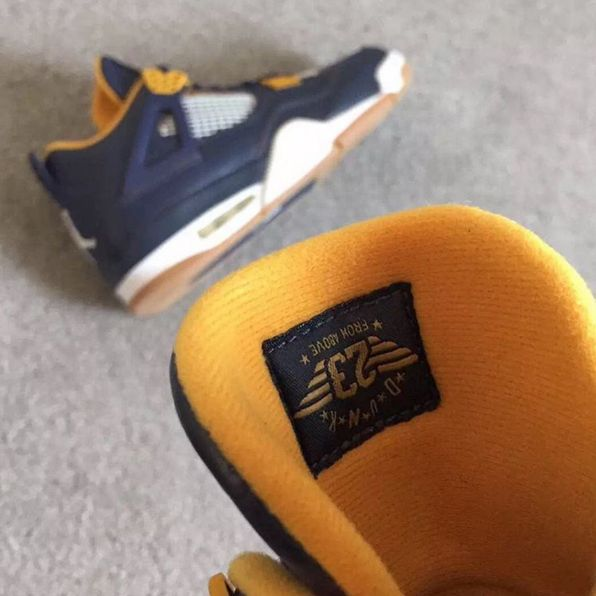 air jordan 4 retro dunk from above