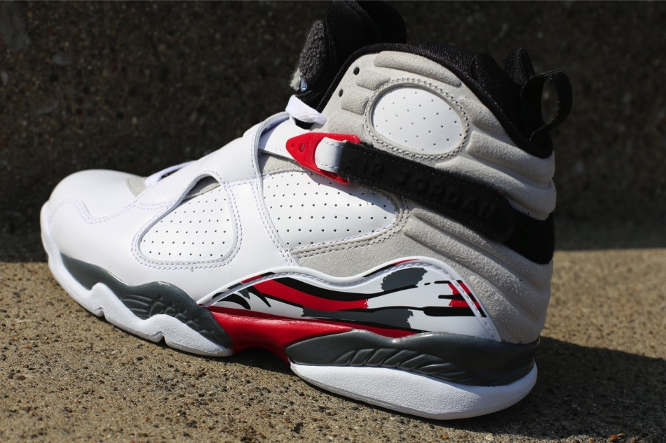 4e02b9c9200467 Reminder  Air Jordan VIII (8) Retro Bugs Bunny Releases Today