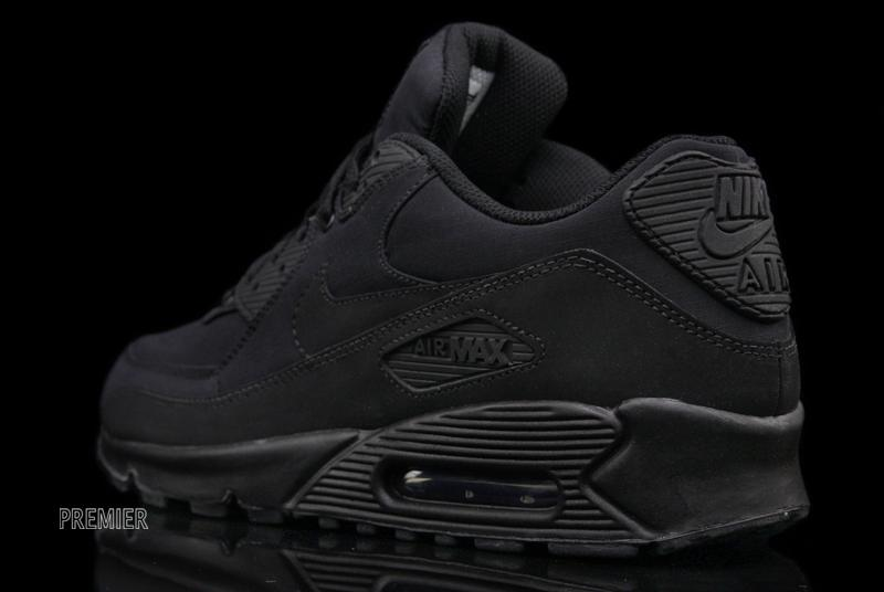 plain black air max