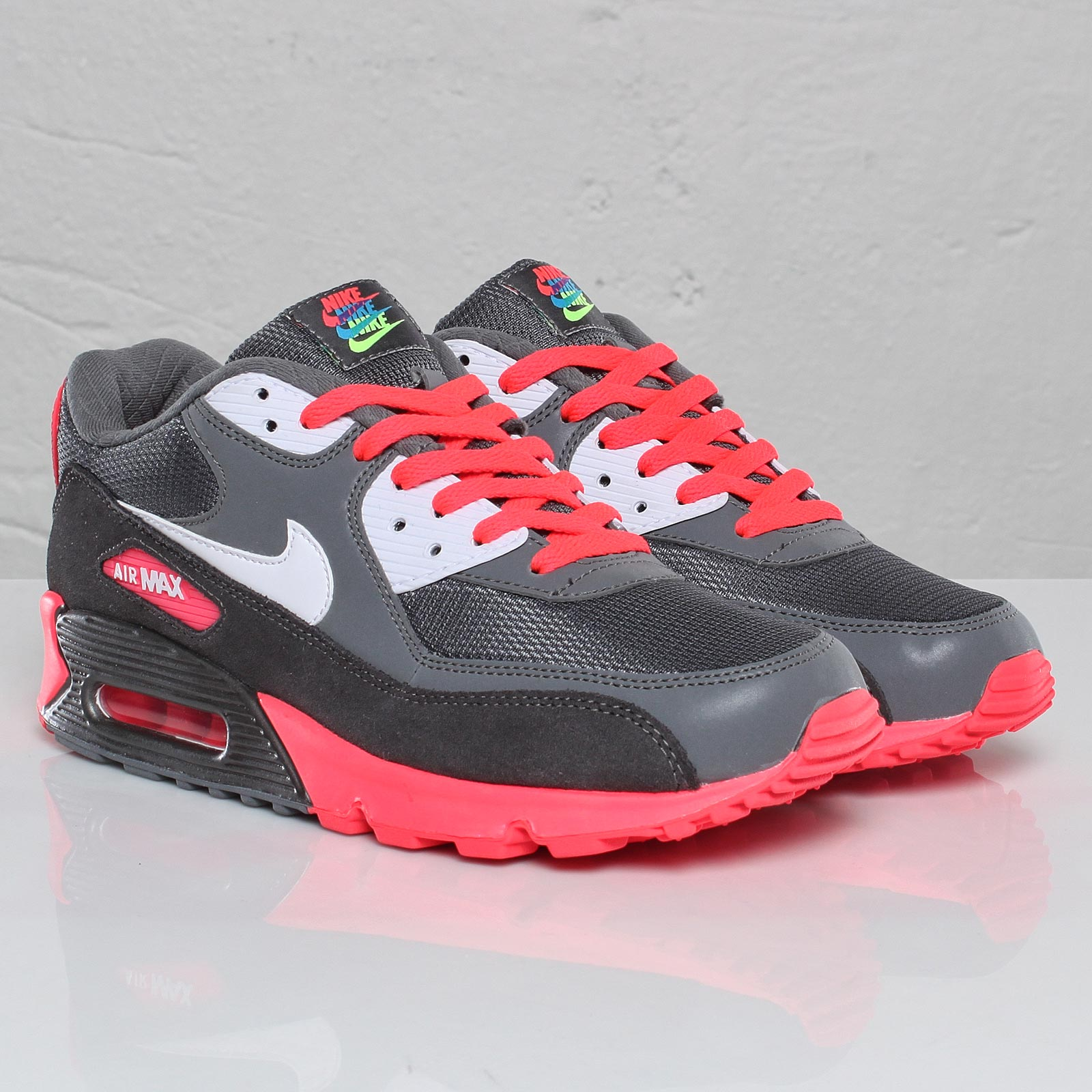 check out 5c283 909ed Nike Air Max 90 – Metallic Silver Solar Red