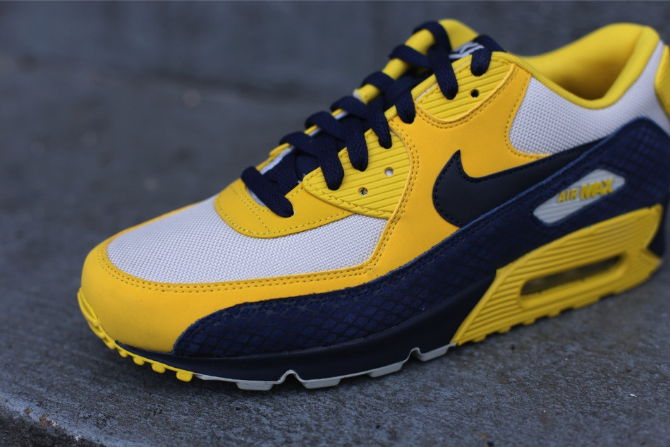 air max 90 year of the snake Find Custom LeBron James Shoes ... 5ed344f31