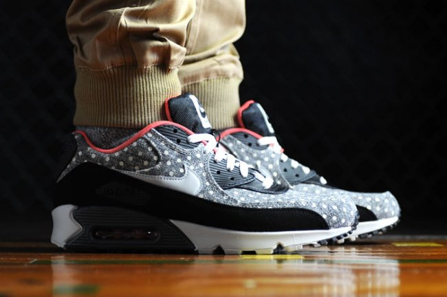 best service 8a9c4 9ae77 Click here to purchase the Nike Air Max 90 Polka Dot on eBay