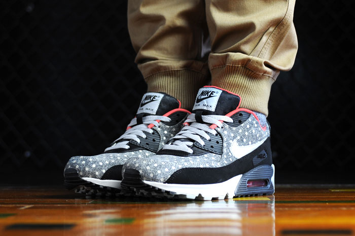 Nike Air Max 90 Leather Premium Black Grey Anthracite Crimson