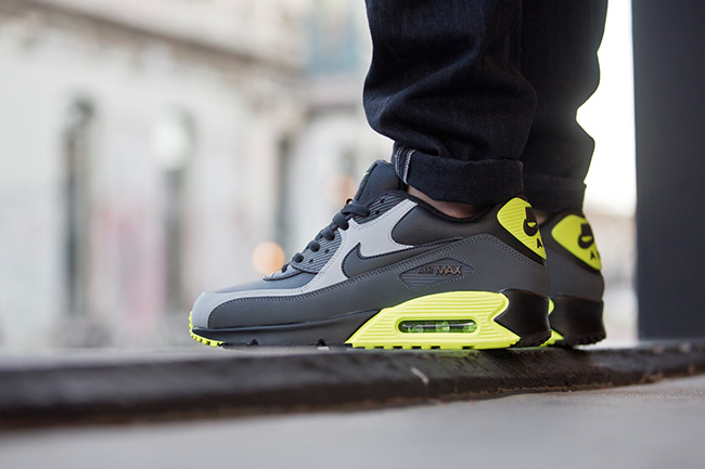 Nike Air Max 90 Ultra 2.0 Glow In The Dark