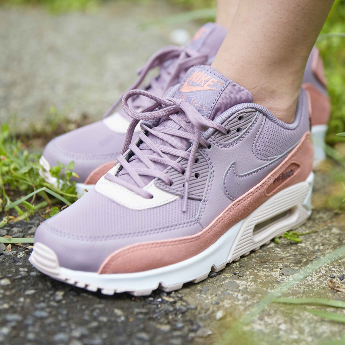 the latest a08c5 8bab5 nike womens air max 90 red stardust