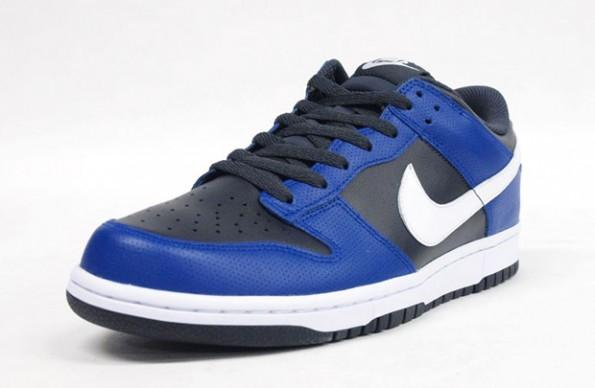 d720c219 Nike Dunk Low Flyknit Black Chlorine Blue Purple White 917746-005 Men's 9  NEW