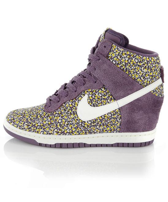 pretty nice 2c011 3a2a1 NIKE 644877-011 WOMEN S DUNK SKY HIGH ESSENTIAL Wedge Sneaker Black Gum Sz 8