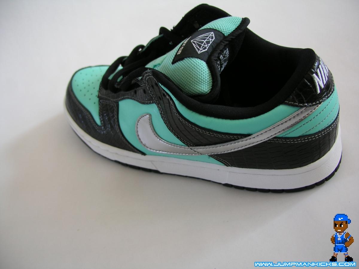 How Do I Return Defective Nike Shoes