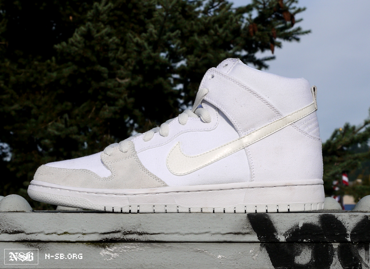 uk availability 5ebba 8d001 Nike Dunk High Pro SB White/Metallic White