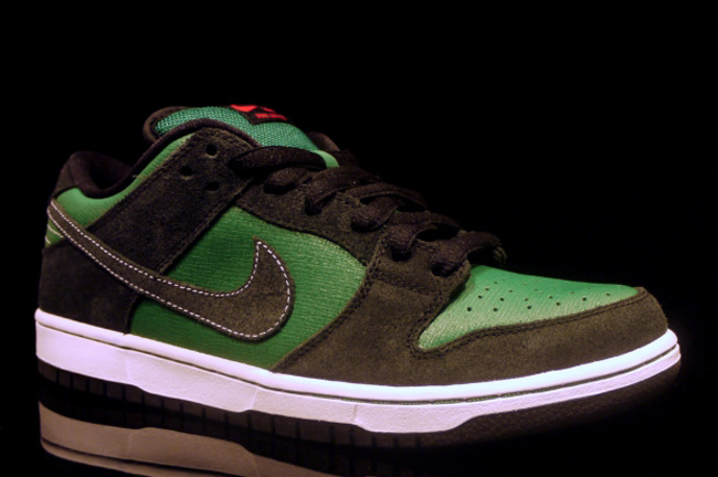 """The Dunk SB Low """"Woodgrain"""" is planned for release in spring 2012. Click  here for more pics and info… b780dd3efcf2"""