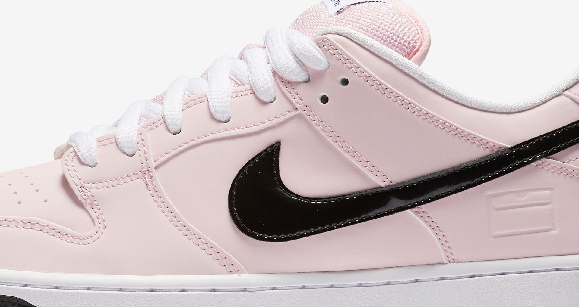 be797fb9adb3 pink and white nike dunks Nike Free running shoes ...