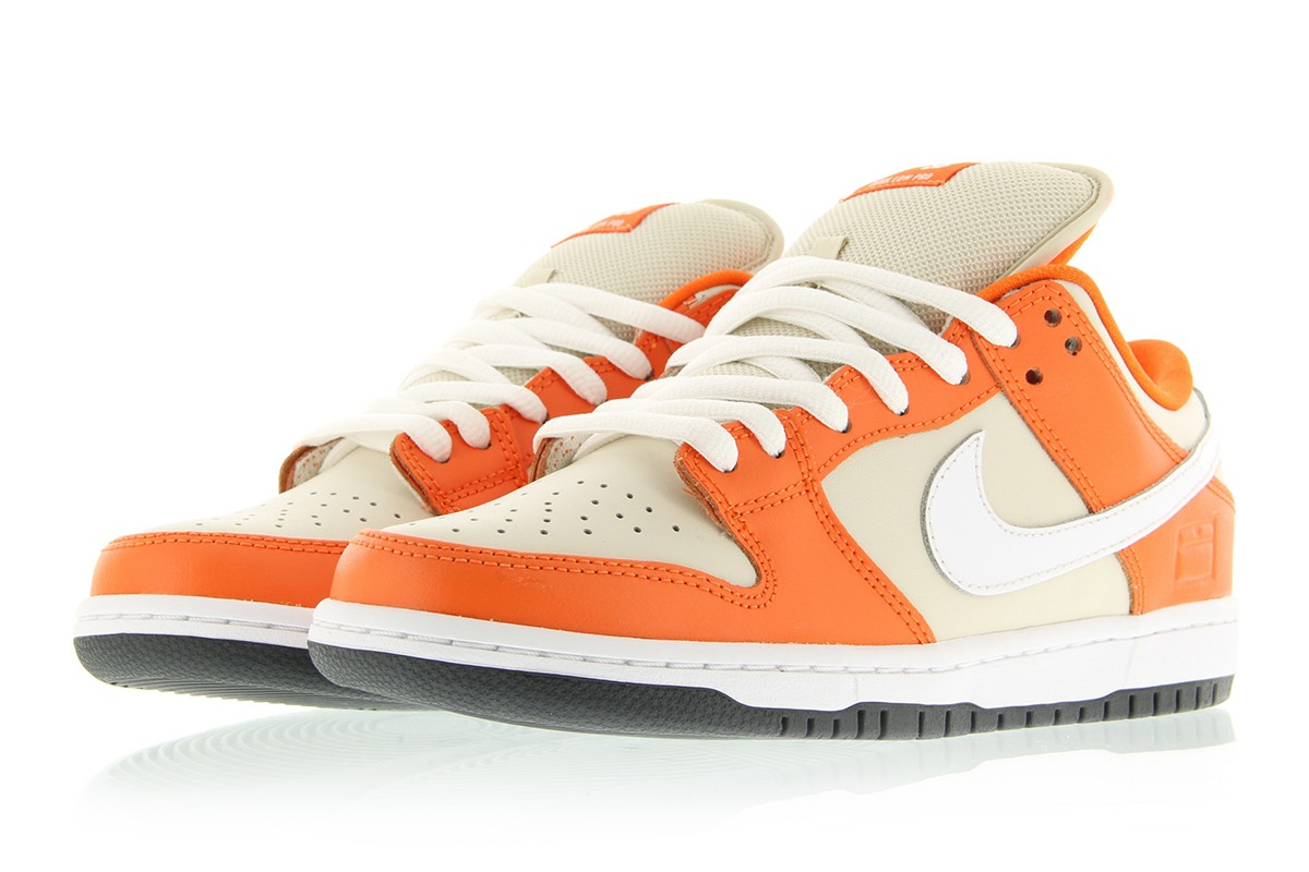 the latest c3dee b4cd2 nike dunk low premium sb orange box