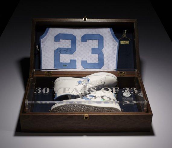 8aaf50fc262b Jordan x Converse Commemorative Pack Auctions