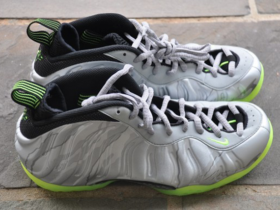 finest selection 8a3c5 358a3 Nike Air Foamposite One - SIlver Volt