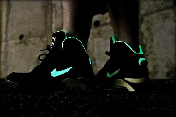 "4ffbef12031 Nike New Air Force 180 MID ""Glow In The Dark"" – 537330 001"