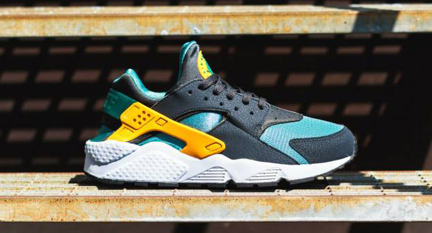 5332ae11f02b Nike Air Huarache Color  Catalina University Gold-Anthracite Style   318429-307
