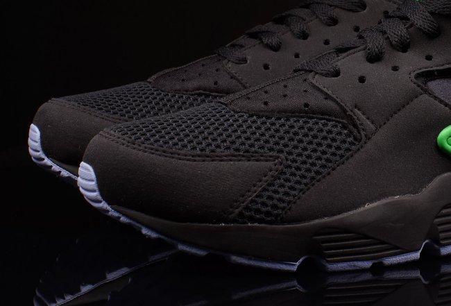 "meet 9214d 9480c NIKE AIR HUARACHE 318429-003 Black White Men s Sneakers ""TRIPLE BLACK""  Brand New"