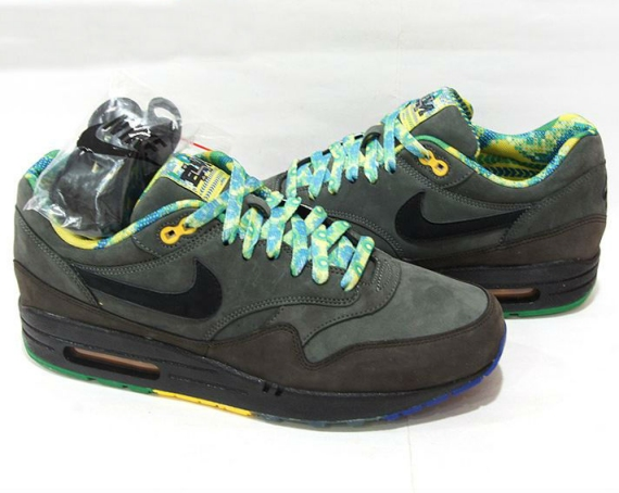 Nike Air Max 1 Black History Month BHM 2012 size 9 RARE 08d272d90